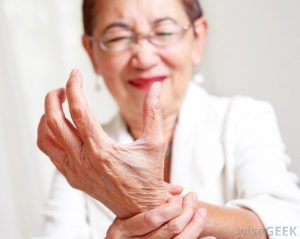 old lady hand pain